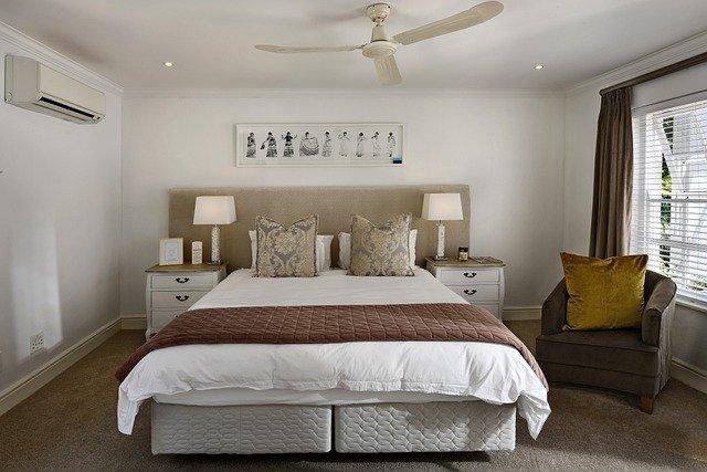 bedroom-5664221_640