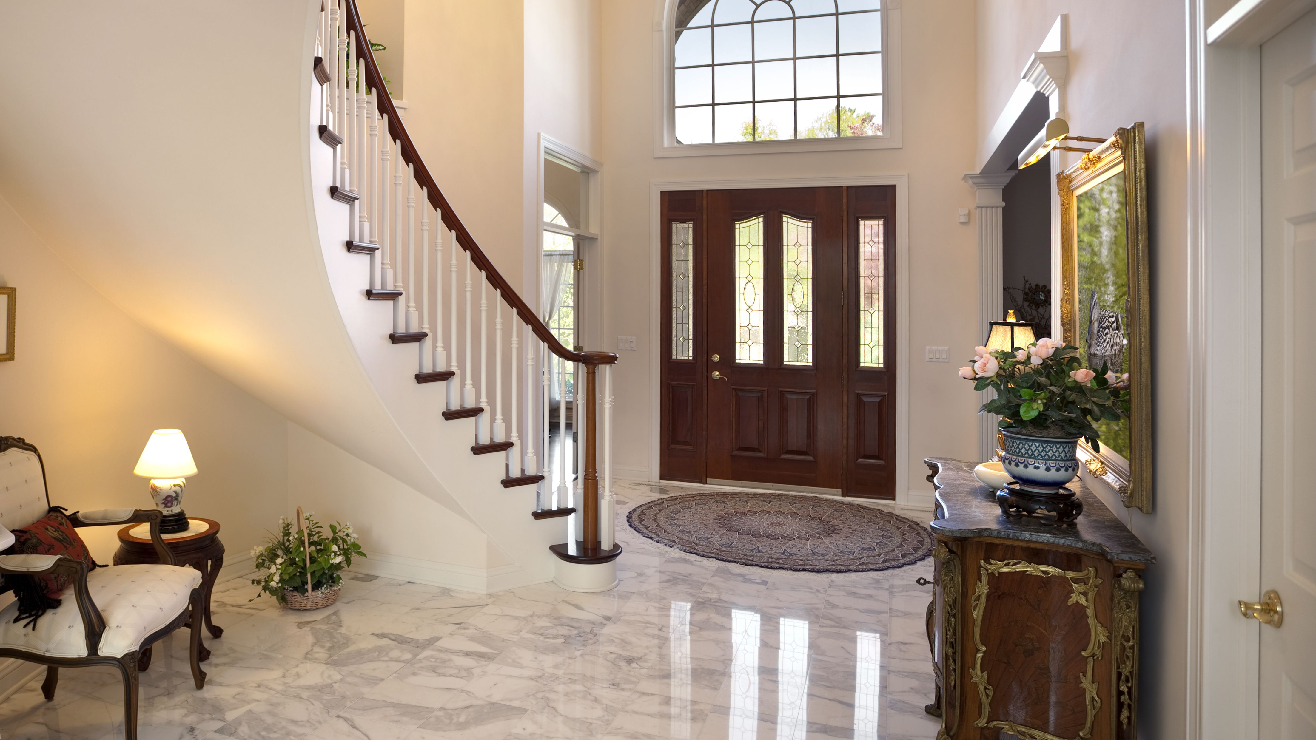 grand-foyer--staircase--chandelier--marble-floor-showcase-home-interior-design-157593982-5c456bbd46e0fb0001aac789