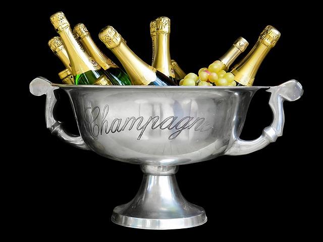 chladící se šampaňské