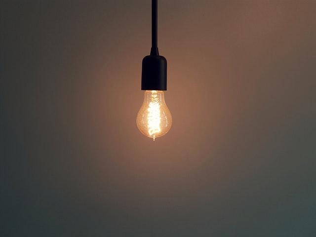Osvetlenie, žiarovka, lampa.jpg