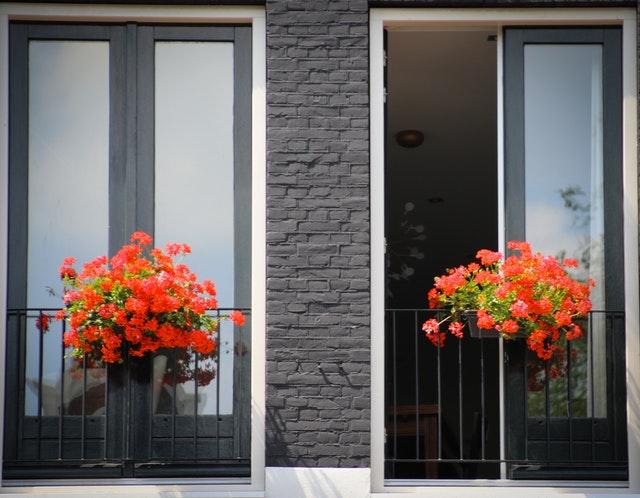 dvoje balkónové dvere.jpg