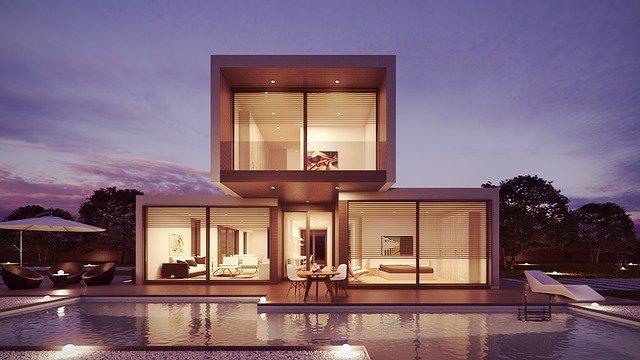 Rodinný dom pred ktorým je bazén.jpg