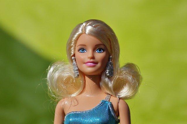 blond barbie